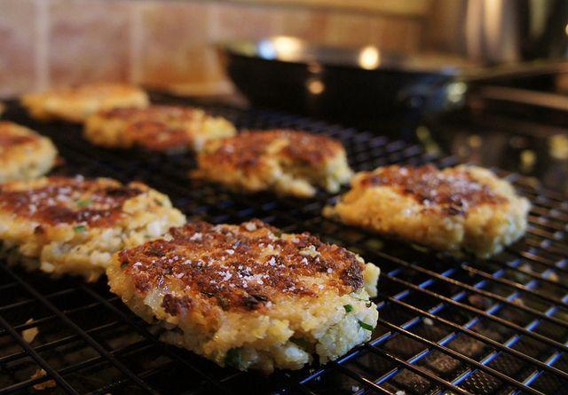 ... ://www.epicurious.com/recipes/food/views/Little-Quinoa-Patties-365029