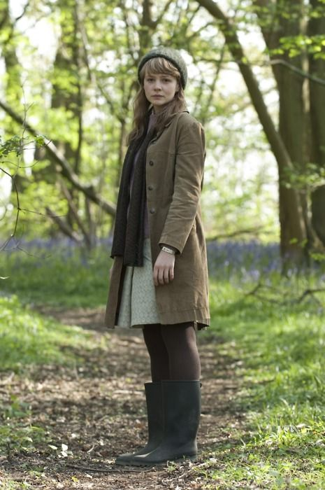 Carey Mulligan, looking gorgeous as always (from Never Let Me Go).
