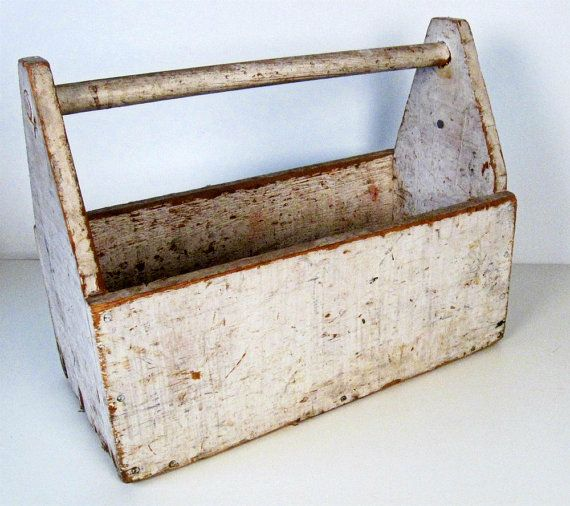 Vintage white wooden tool box tote for Old wooden box ideas