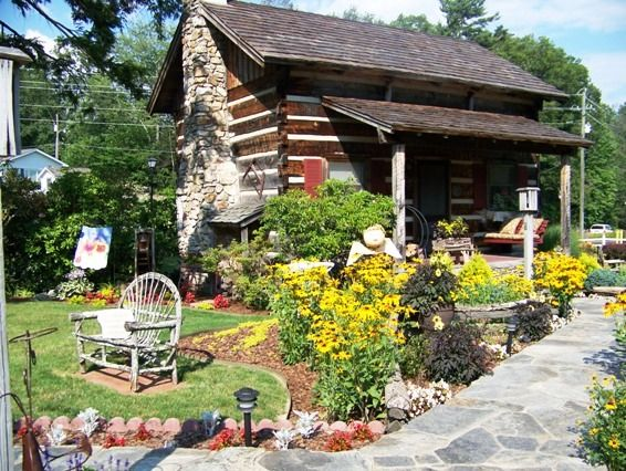 Landscaping landscaping ideas log cabin for Cabin landscaping
