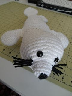 Baby Harp Seal - Free Crochet Patterns