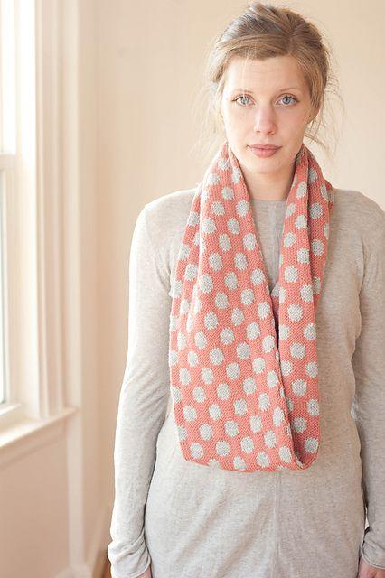Ravelry: Netty Cowl pattern by Ien Sie