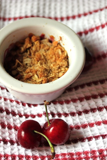 Individual Cherry Crisps #vegan | Food to Make | Pinterest