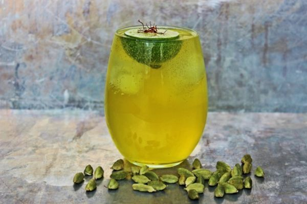 Saffron Gin and Tonic | ★My yummy COCKTAILS & DRINKS | Pinterest
