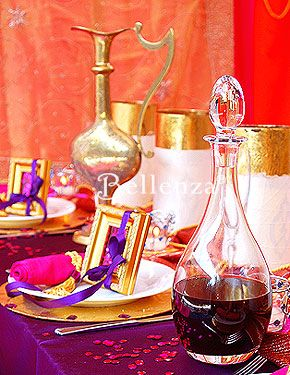Gold frame favors wrapped with purple ribbons and filled for Arabian decoration materials trading