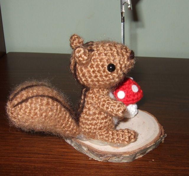 Amigurumi Squirrel Crochet Pattern : Squirrel amigurumi. amigurumi - poupees Pinterest