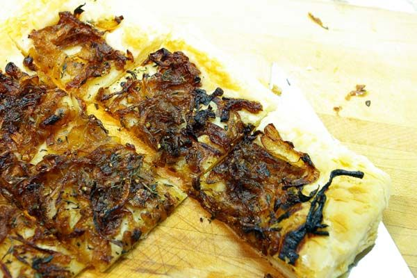 balsamic onion thyme tart | nom (aka once a foodie always a foodie ...