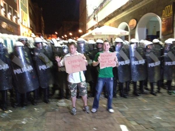 Irish fans keeping the peace at Euro 2012 #fatherted