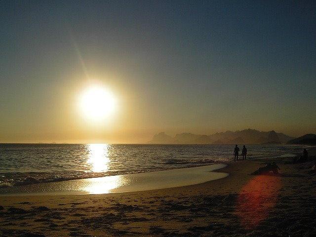 Praia de Piratininga - por do Sol - Niterói - Rio de Janeiro -  Brasil - por Izabelle Natal