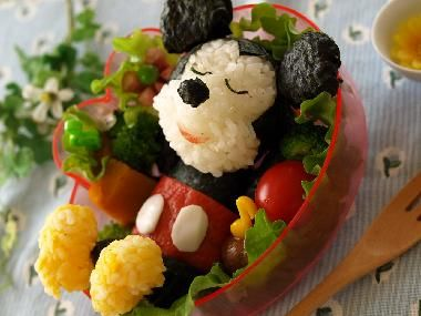 Mickey Mouse bento lunch for kids - it might be too cute to eat!!