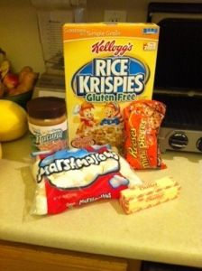 Easy 5-Ingredient Reese's Pieces Peanut Butter Rice Krispie Treats ...