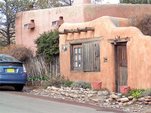 Santa fe pueblo style house new mexico style pinterest for Santa fe style homes