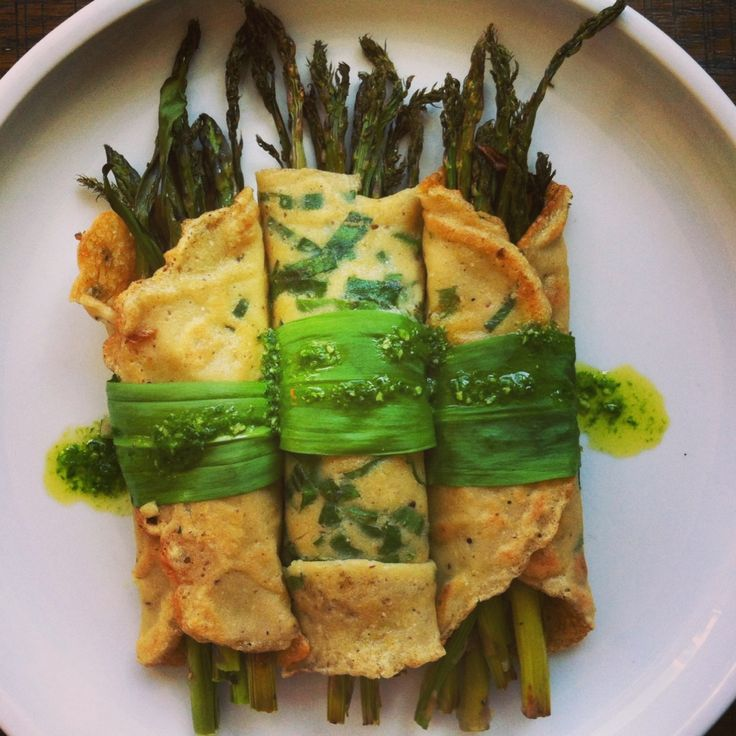 ... roasted asparagus and ramps, ramp and macadamia nut pesto, ramp crepes