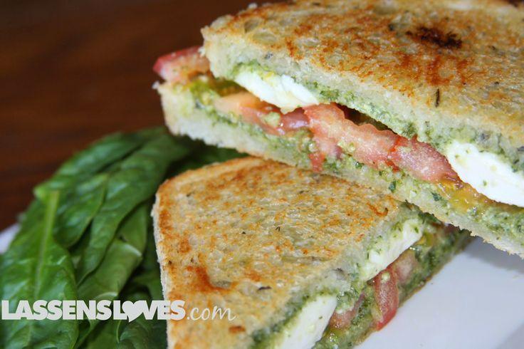 pesto caprese sandwich, caprese panini, pesto caprese, pesto panini ...