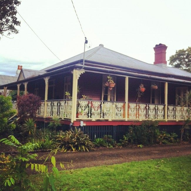 Queenslander (architecture)