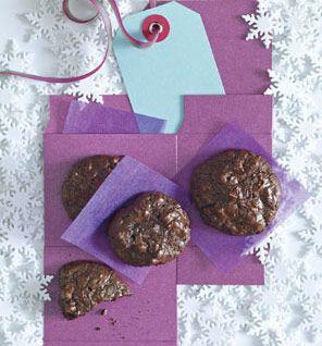 Flourless Chocolate-Walnut Cookies - 55 calories per cookie