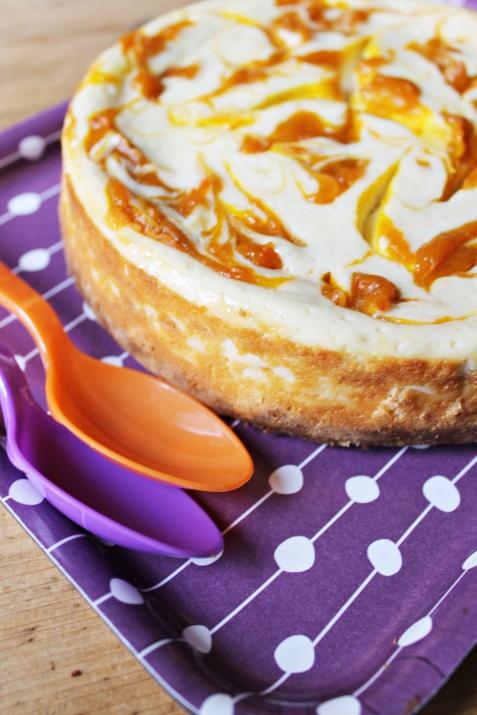 Pumpkin Swirl Cheesecake. | Yummy | Pinterest
