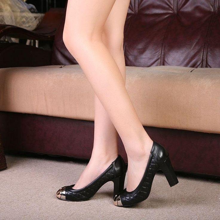 Что одеть каблуки или кеды