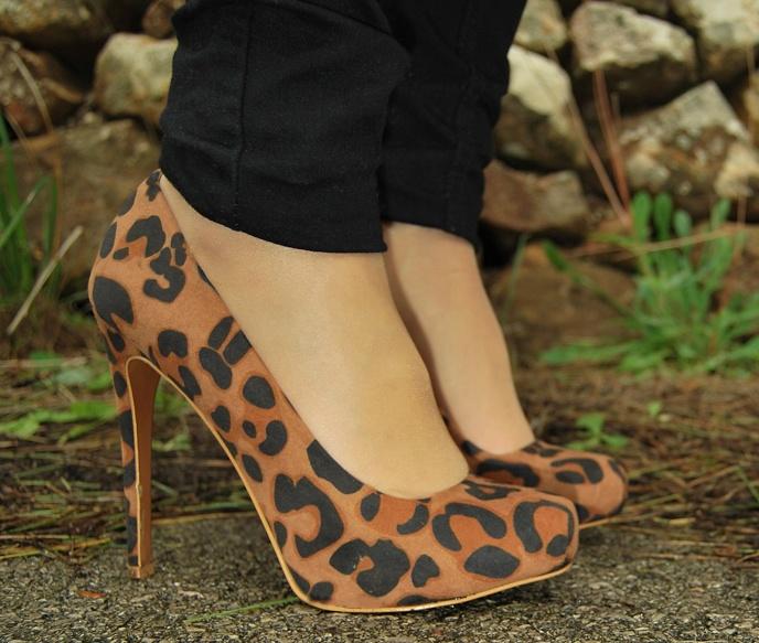 Jewel Style: COLOREA EL DIA GRIS