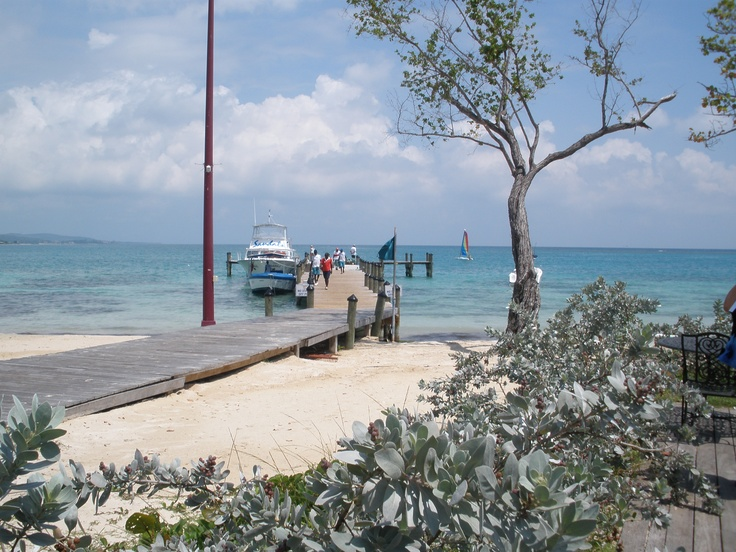Pier for deep sea fishing boat sandals whitehouse for Deep sea fishing jamaica