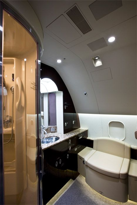 Private jet bathroom 2017 for Private jet bathroom