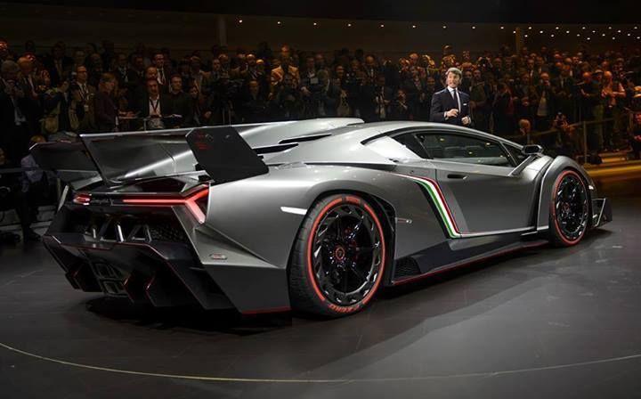 Lamborghini VenenoLamborghini Veneno Roadster 2015