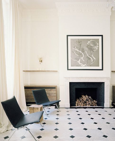 Raw wood, deep black velvet, black marble / Jo Malone headquarters in London