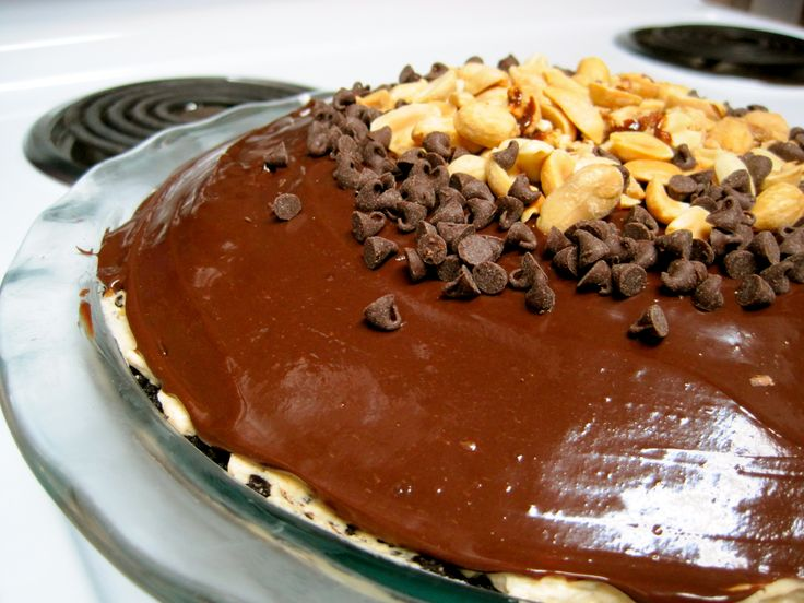 Chocolate-Peanut Butter Mousse Pie | Desserts to make | Pinterest