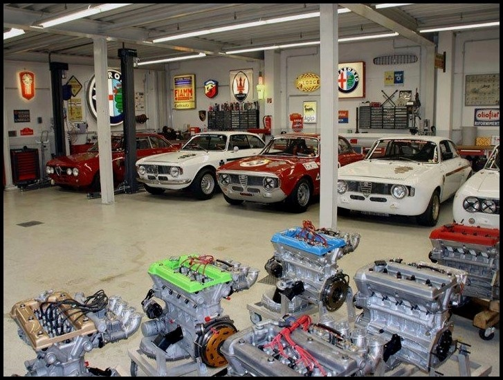 Nice garage italian cars pinterest for Garage alfa romeo antony