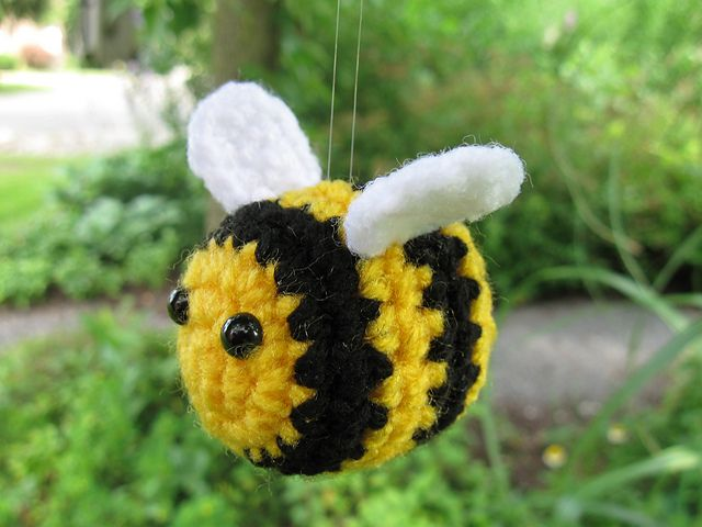Free Bumble Bee Knitting Pattern : Bumble the Bee pattern by Emi Carmichael Crochet Cute Amimals and O?