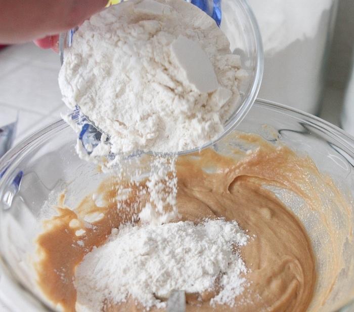 Oreo Chocolate Chip Peanut Butter Bars | Recipe