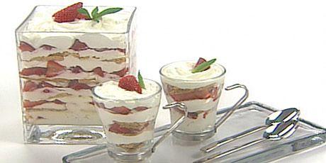 Cheesecake trifle   Cake Decorating Ideas   Pinterest