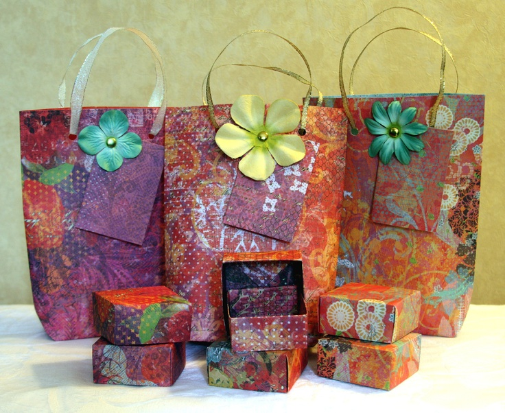 paper gift boxes Shop our collection of treat bags & gift boxes from papyrus browse for halloween, christmas, birthdays, weddings and more.