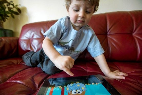 What Happens When Toddlers Zone Out With an iPad by Ben Worthen, wsj. Photo by Darcy Padilla #iPad #Kids #Ben_Worthen #wsj #Darcy_Padilla