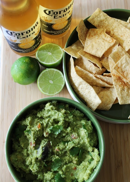 BEST BASIC GUACAMOLE- Avocado is a superfood, and guac is always a ...