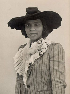 marian anderson during the harlem renaissance Despite the resistance marian anderson faced in venues across the country, she became one of the city's most successful performers—and a civil rights hero.