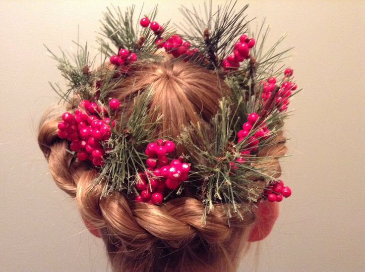 Christmas Wreath Braided Hairstyle Style
