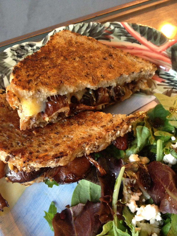 ... grilled-cheese-with-sauteed-mushrooms-recipe.html#.UDUxUwSrCnw