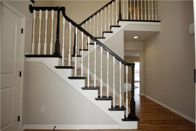 Best Black Railing White Spindles For The Home Pinterest 400 x 300