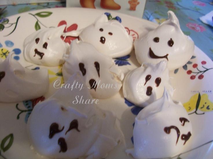 Meringue Ghosts | Halloween | Pinterest