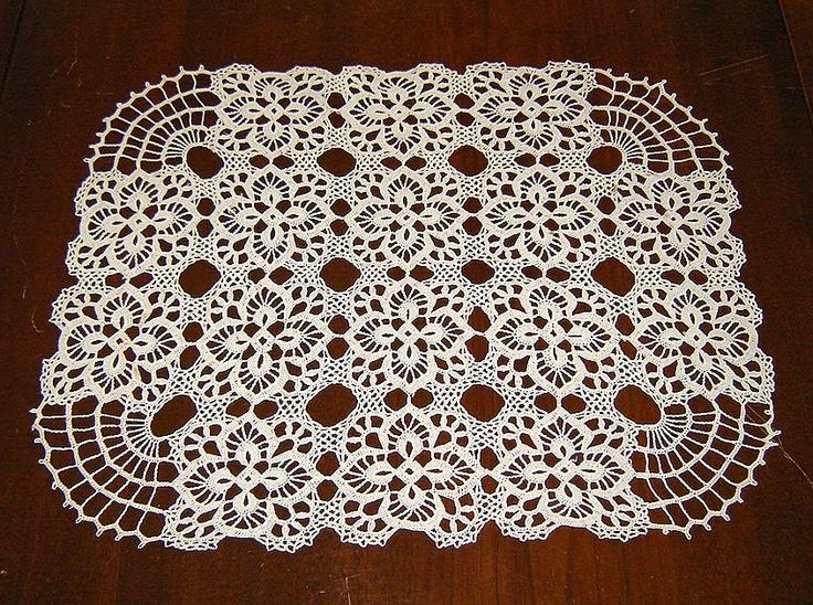 Free Crochet Patterns For Rectangular Doilies : Rectangular Crocheted Doily Crochet motifs & edgings ...