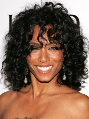 Jada Pinkett Smith curly hair Oval Face