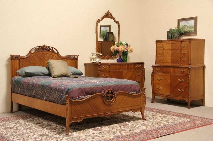 French Style 1940 Vintage 4 Pc Full Size Bedroom Set