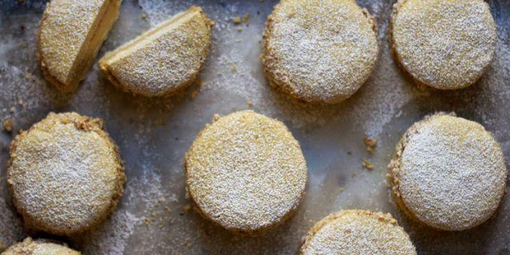 Deliziosa (Hazelnut Cream Sandwich Cookies) literally the best cookies ...