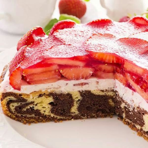 Marble strawberry cake | Recipes | Pinterest