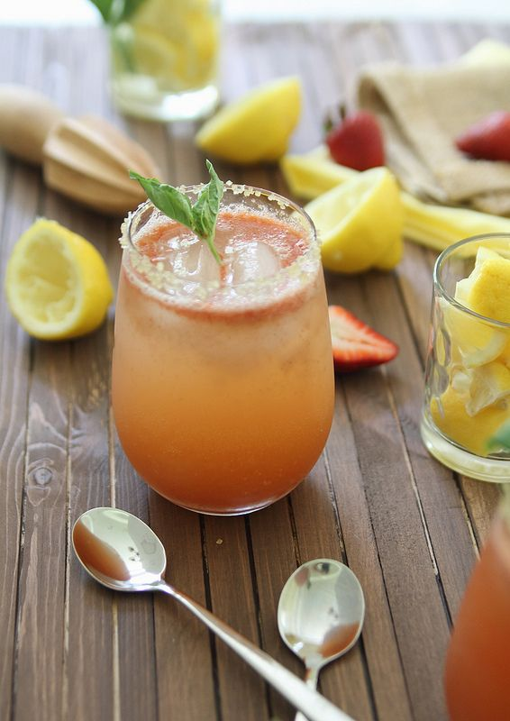Strawberry basil lemonade | Recipe