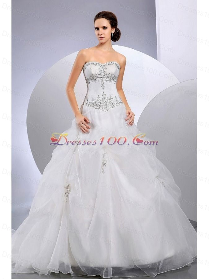 Affordable Wedding Dresses New York : The centrepiece biggest trend in wedding dresses at new york dress
