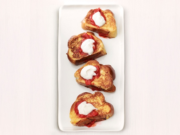Strawberry-Rhubarb Stuffed French Toast Recipe : Food Network Kitchens ...