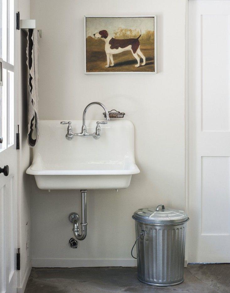 Bathroom utility sink