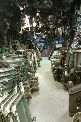 ::: FOCAL POINT :::: GOING COASTAL? TRY ANTIQUING FOR AUTHENTICITY - Stoneage Antiques - Miami River